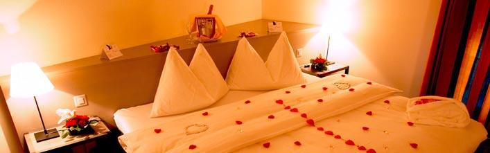 ihr traum wochenende zu zweit f r romantik am z richsee. Black Bedroom Furniture Sets. Home Design Ideas